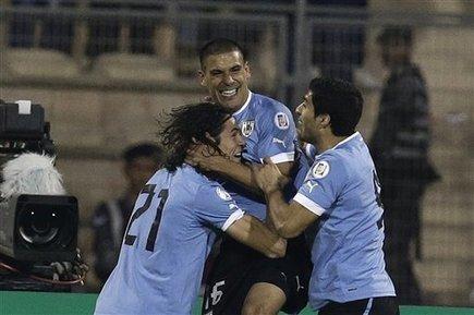 Uruguay crushes Jordan 5-0 in WCup playoff - MiamiHerald.com   Futbol   Scoop.it