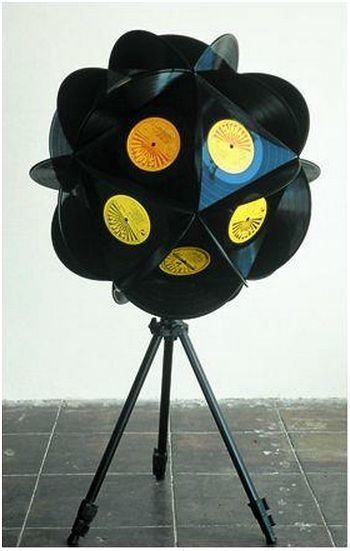 Lampe vinyle le disque vinyle un for Cool things to do with old records