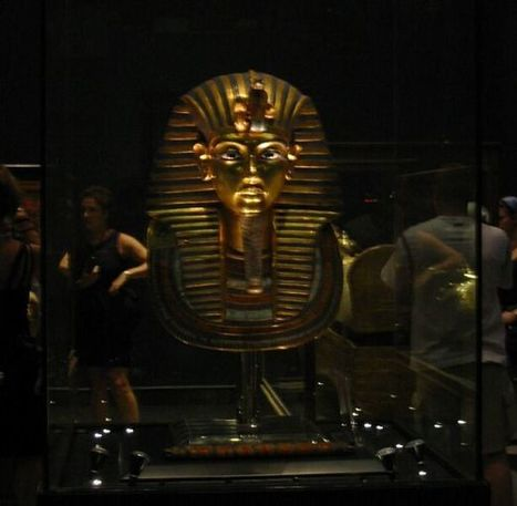 Archaeological committee assigned to inspect 'glued' Tutankhamun's gold mask and its beard - Ancient Egypt - Heritage - Ahram Online | Egyptology and Archaeology | Scoop.it