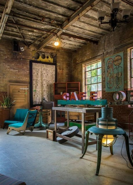 Metropolis Factory's Industrial Renaissance — Creative Workspace Tour | Raw and Real Interior Design | Scoop.it