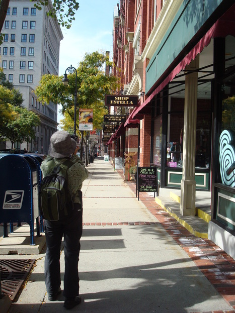 Manchester welcomes pedestrians in downtown pilot | Manchester New Hampshire | Scoop.it
