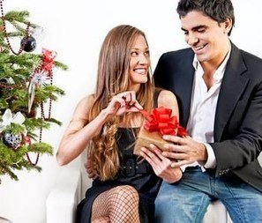 What is the Protocol For Gift Giving in a New Relationship? | datingish | Show Prep | Scoop.it