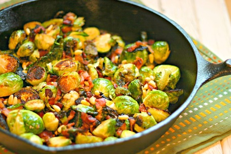 Sauteed Brussels Sprouts with Bacon and Pine Nuts | À Catanada na Cozinha Magazine | Scoop.it