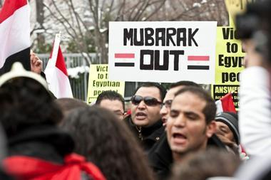 US pressures Egypt's Mubarak, but won't yet call for his ouster | Coveting Freedom | Scoop.it