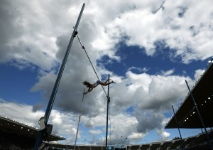 Olympic Physics: How Pole Vaulters Go Over the Top - Wired News | Ciencia-Física | Scoop.it
