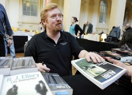 MIROIR – Un auteur de polars à succès faisait son propre éloge sur Amazon | BiblioLivre | Scoop.it