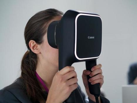 Eyes on with Canon's handheld VR headset | Stuff | Clic France | Scoop.it