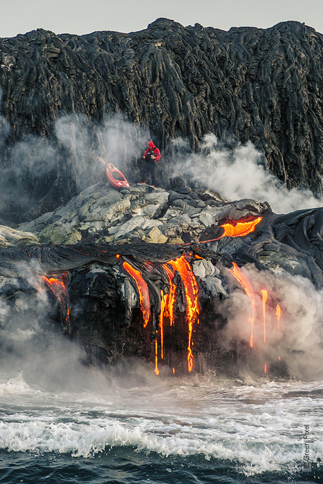 Thrill-Seeking Kayakers Paddle Across an Active Volcano - My Modern Metropolis | Le It e Amo ✪ | Scoop.it