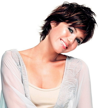 Mandy Moore Bra Size, Weight, Height, Body Measurements | Celebs Wiki | Celebrities Height, Weight, Bra Size | Scoop.it