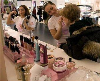 Reprise du marché des cosmétiques et des parfums en 2010 | Fashi-on | Scoop.it