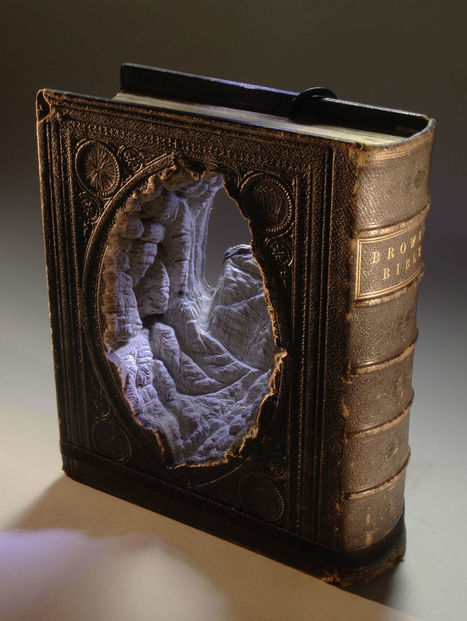 20+ Of The Most Beautiful Book Sculpture Art - Designsave.com | Freebies and Resource | Scoop.it