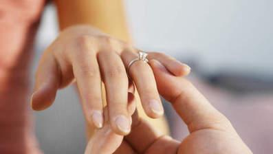 Une bague qui s'illumine à l'approche du fiancé | Bijoux et montres tendances | Scoop.it