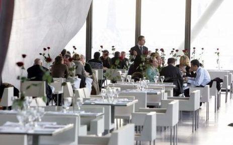 Paris : un restaurant Costes accusé de placer les «moches» au fond de la salle   Food News   Scoop.it