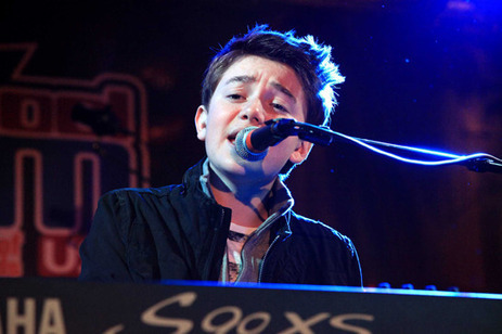 Greyson Chance Rocks out at SchoolJam USA! « BOP & Tiger Beat Online | Greyson Chance Fans News | Scoop.it