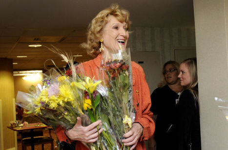 Flower lady brings joy to ill, elderly - The Intelligencer | Gift Giving | Scoop.it