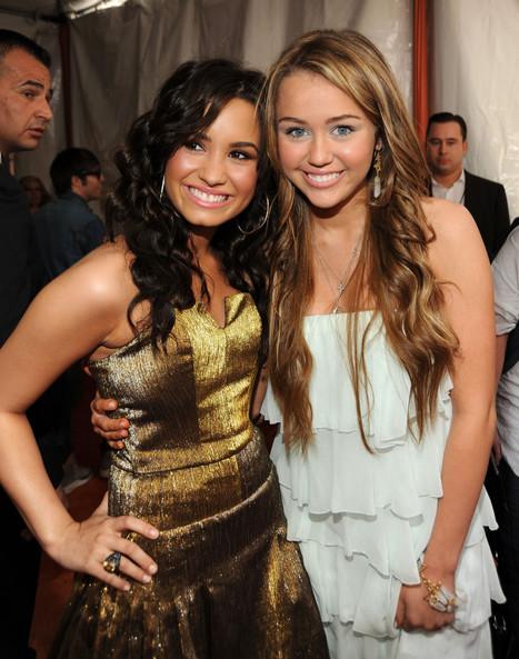 Demi Lovato Warns Miley Cyrus About Partying, Avoids Twerking - Huffington Post | Miley Cyrus is still twerking? | Scoop.it