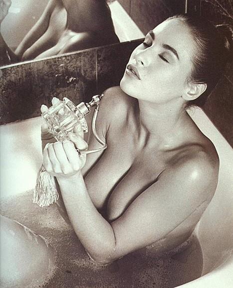 Vanessa Demouy nue pour un bain sexy ! - photos | oulacaro | Scoop.it