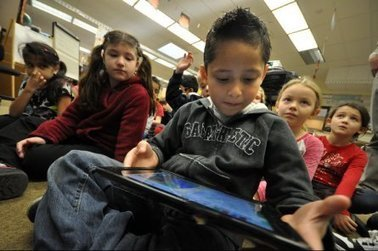 Teachers, students find new tool in launching iPads - Suburban Life Publications | Techy Classroom | Scoop.it