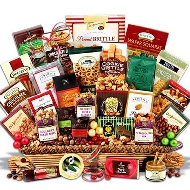 Have Yourself a Merry Little Christmas with these Unique Gift Baskets! - Christmas Gifts | Unique Christmas Gift Ideas | Scoop.it