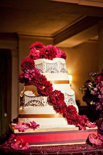 Multi shape octagon Red Cake   CLASSIC MULTISHAPE WEDDING CAKES   Scoop.it