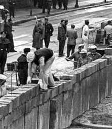 Berlin Wall - Cold War Symbol Which Sealed Division Of Germany | Cold War | Scoop.it