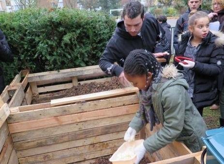 Les déchets de la cantine finissent dans le composteur - Le Parisien | Actualités de l'école | Scoop.it