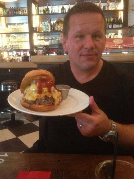 Le Bleu d'Auvergne, ingrédient principal du Zlatan Burger ! | The Voice of Cheese | Scoop.it