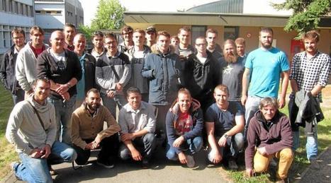 Les futurs guides de pêche fêtent leur association   Le lycée agricole de Caulnes   Scoop.it