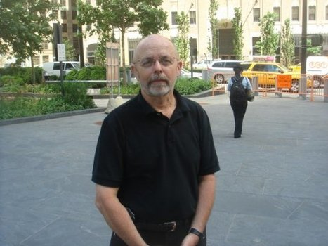 """Photographer behind 9/11 """"Falling Man"""" retraces steps, recalls """"unknown soldier""""   Yr 9, 10, 11 English Classes   Scoop.it"""