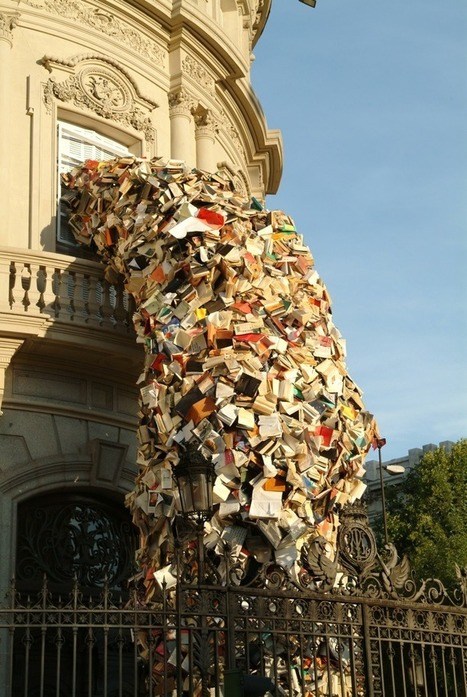 5,000 Books Pour Out of a Building in Spain - My Modern Metropolis | Hotch Potch | Scoop.it
