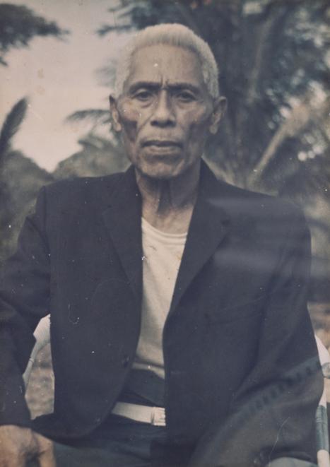 Samoan tatau: a tufuga begins his work… | Te Papa's Blog | Kiosque du monde : Océanie | Scoop.it