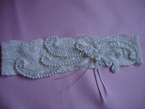 Lace garter, Ivory stretched lace garter, Ivory bridal garter | Wedding Garters | Scoop.it