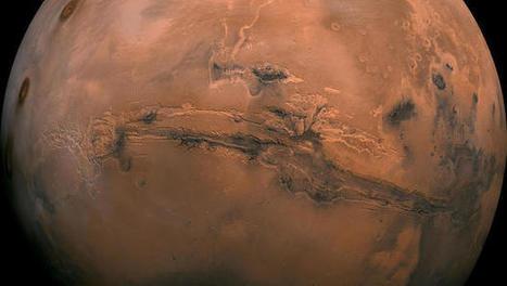 Ice sheet bigger than Texas, California found on Mars - CBS News | CLOVER ENTERPRISES ''THE ENTERTAINMENT OF CHOICE'' | Scoop.it