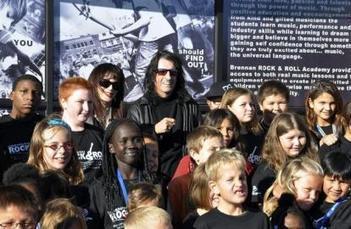 Alice Cooper créée une école de rock pour apaiser les jeunes - Actu Zik | Click'N'Rock Radio Pop Rock Sans Pubs | News musique | Scoop.it