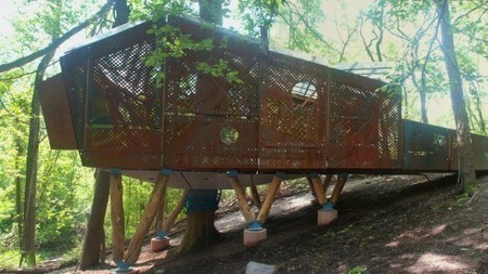 Play Perch treehouse classroom helps kids connect with nature | GizMag.com | Mindful Parents | Scoop.it
