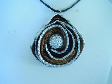 collier capsules nespresso - pendentif - bij-box - Fait Maison | bij - box ( bijoux à partir de capsules nespresso) | Scoop.it