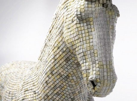 ::: Amazing Modern Day Trojan Horse Made From Over 18,000 Salvaged Computer Keys | The Art of the Horse | Scoop.it