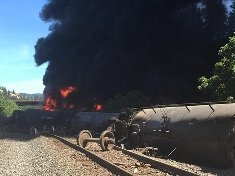 Oil train derails, burns in Columbia River Gorge | Railway's derailments and accidents | Scoop.it