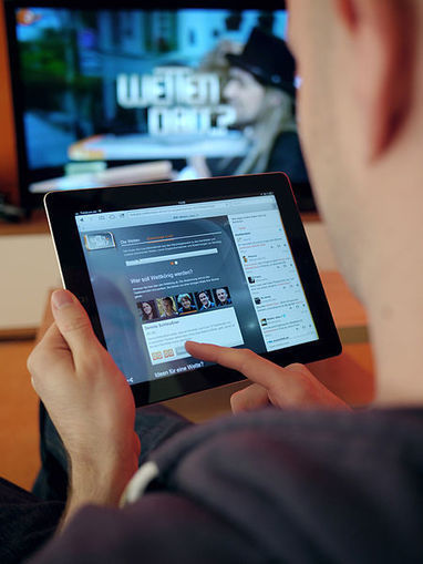 How 2nd Screen Apps killed off Television Advertising - Social Media TV | screen seriality | Scoop.it