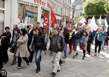 Baisse du pouvoir d'achat, gel des salaires, la fonction publique était ... | Pouvoir d'achat: les Français sont toujours aussi pessimistes, malgré la baisse d'impôts promise | Scoop.it