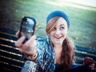 NetPublic » Selfie vidéos et Twitter pour apprendre et échanger en anglais | Bonjour du Monde - FLE | Scoop.it