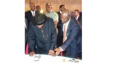 Lancement de la carte nationale d'identité électronique MasterCard au Nigeria - Communiqués de presse - Actualités - StarAfrica.com | le web 2.0 | Scoop.it