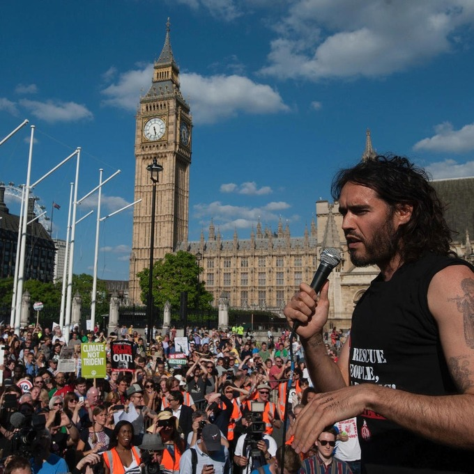 Russell Brand's Call for Peaceful Revolution Is Effortlessly Moronic | VICE News | real utopias | Scoop.it
