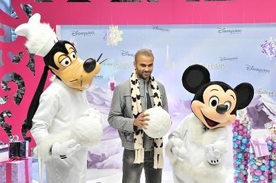 Tony Parker a donné le coup d'envoi de la nouvelle saison de Noël à Disneyland Paris   Disneyland Paris   Scoop.it