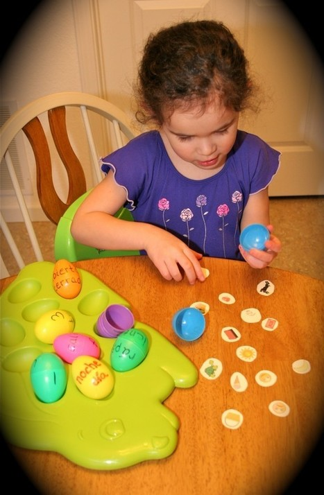 Spanish Games for Kids – Matching with Plastic Eggs | Spanish literacy centers for kindergarten | Scoop.it