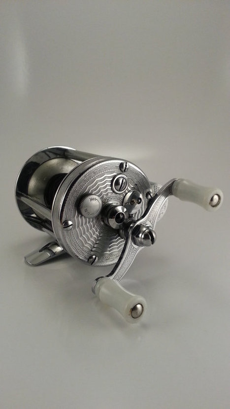 Vintage 1950s Pflueger Summit 1993L Bait Casting Fishing Reel | AtomicVault.etsy.com | Scoop.it
