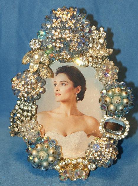 Dishfunctional Designs: Vintage Costume Jewelry: Upcycled & Repurposed   Kitsch   Scoop.it