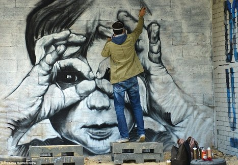 Street artists given free rein to decorate every available wall space in 10-storey Parisian building that will open to the public for one month before being torn down | Stuff that Tweaks | Scoop.it
