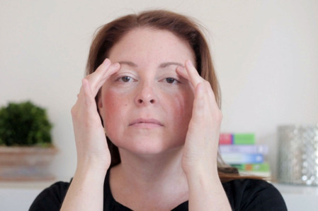 GIF Tutorial: How to Give Yourself a French Facial Massage | Natural & Organic Business Journal | Scoop.it
