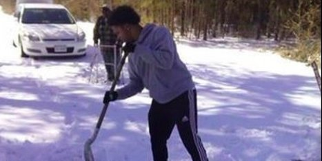 An Elderly Man Was Shoveling Snow Alone, Until This Teen Stopped To Help Him | This Gives Me Hope | Scoop.it